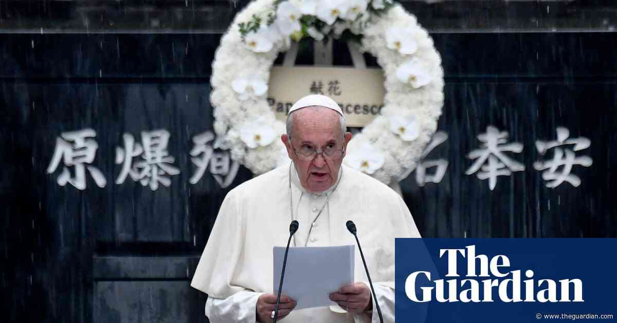 Pope Francis calls for a 'world without nuclear weapons' during Nagasaki visit