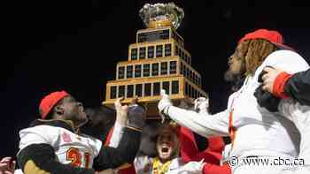 Châteauguay's Adam Sinagra leads Dinos past Carabins for Vanier Cup title