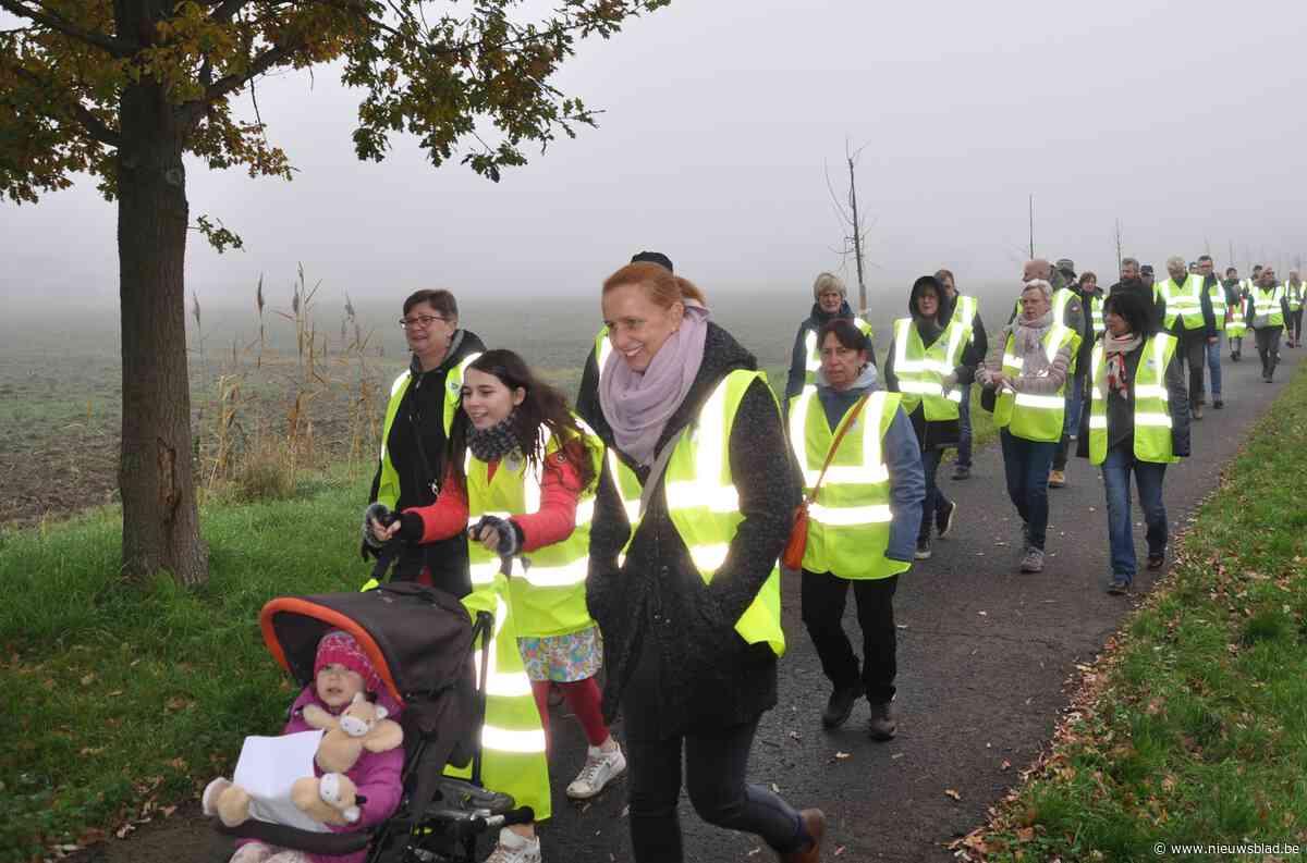 Ruim 200 Hammenaren stappen mee in wandeling voor meer empathie