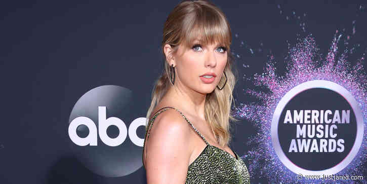 Artist of the Decade Taylor Swift Goes Glam in Green on the Red Carpet at American Music Awards 2019