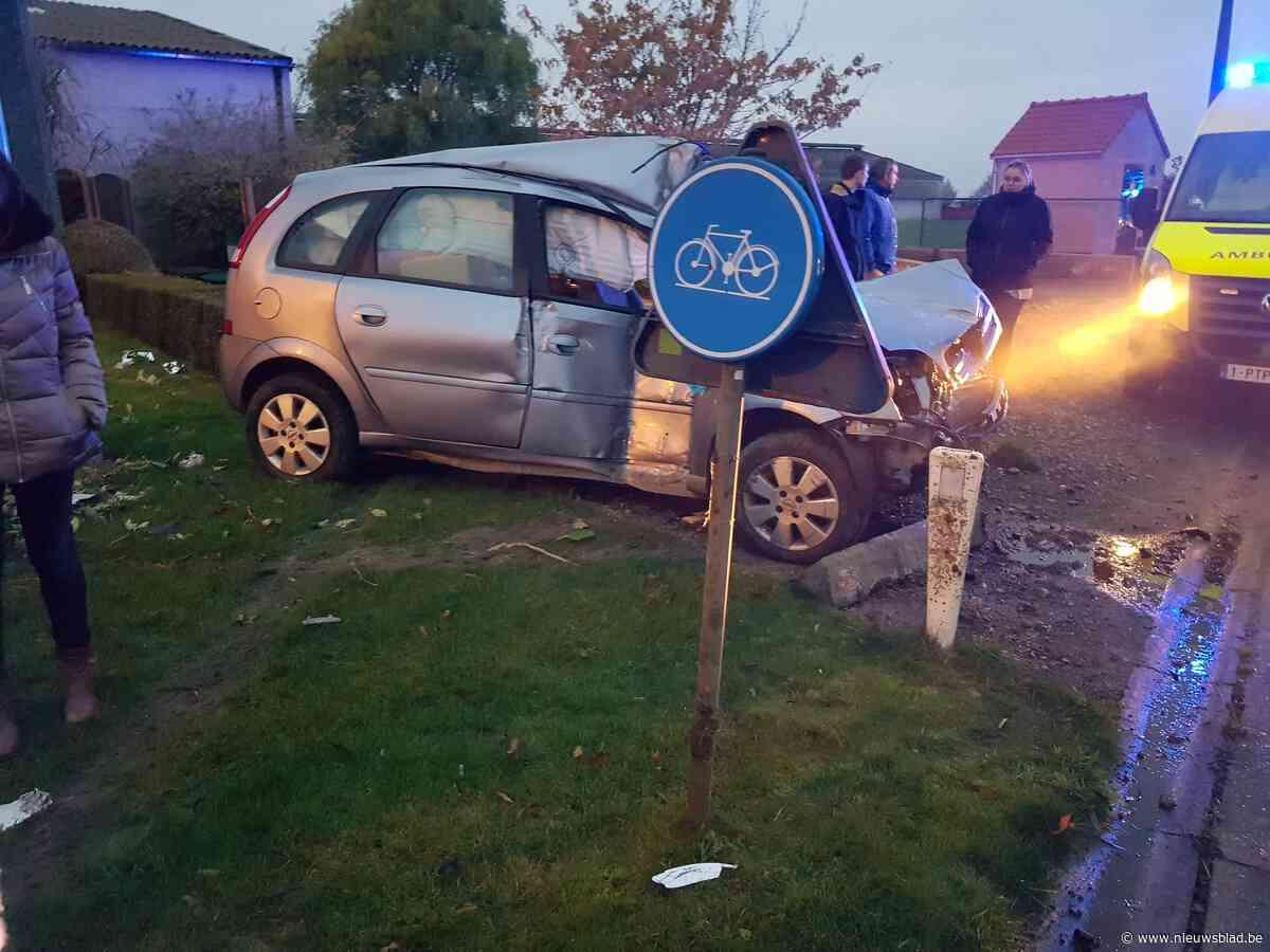 Spectaculair ongeval in Zuidschotestraat in Reninge