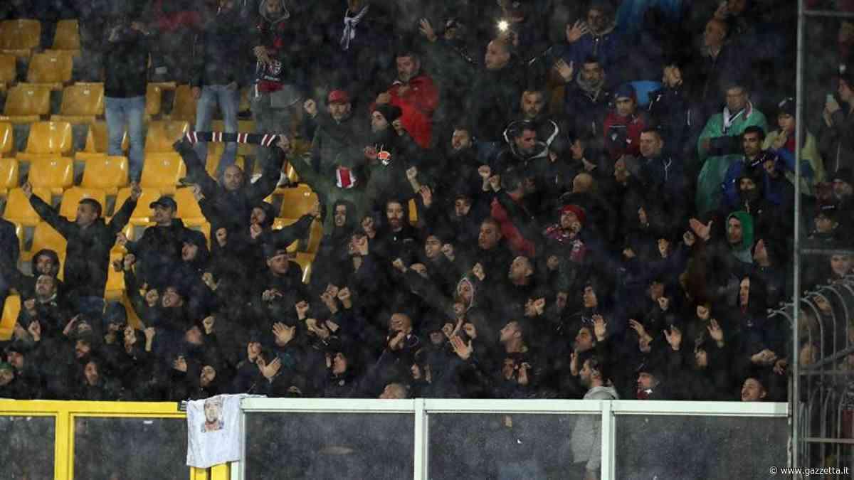 """Lecce, i tifosi ospitano i """"colleghi"""" sardi"""