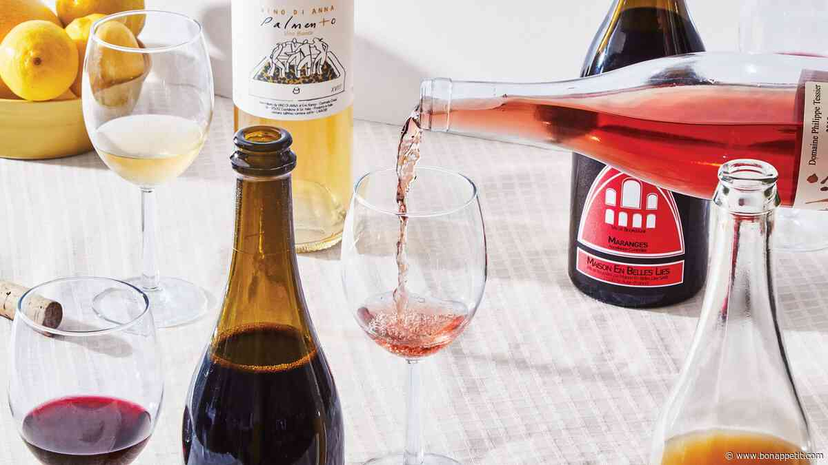 5 Thanksgiving Wine Bottles for Every Dinner Situation