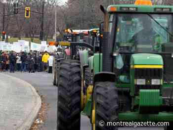 CN strike: Tractor convoy heads to Trudeau's Montreal office in protest