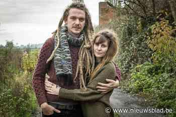 Julie en Wannes verloren hun zoontje en zochten steun in de muziek, nu kan je hun liedje kopen voor het goede doel
