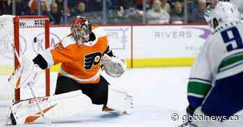 Voracek scores in 3rd to lift Flyers over Canucks 2-1