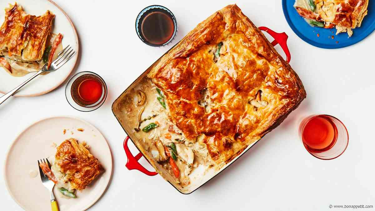 Leftover Turkey Pot Pie is the Best Dish to Make With Thanksgiving Food