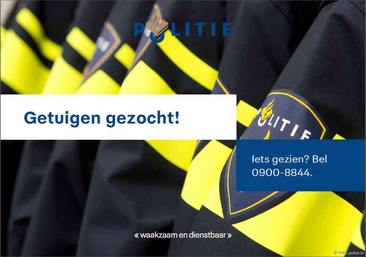 Utrecht - Auto vernield in de Vlierboomstraat Ondiep