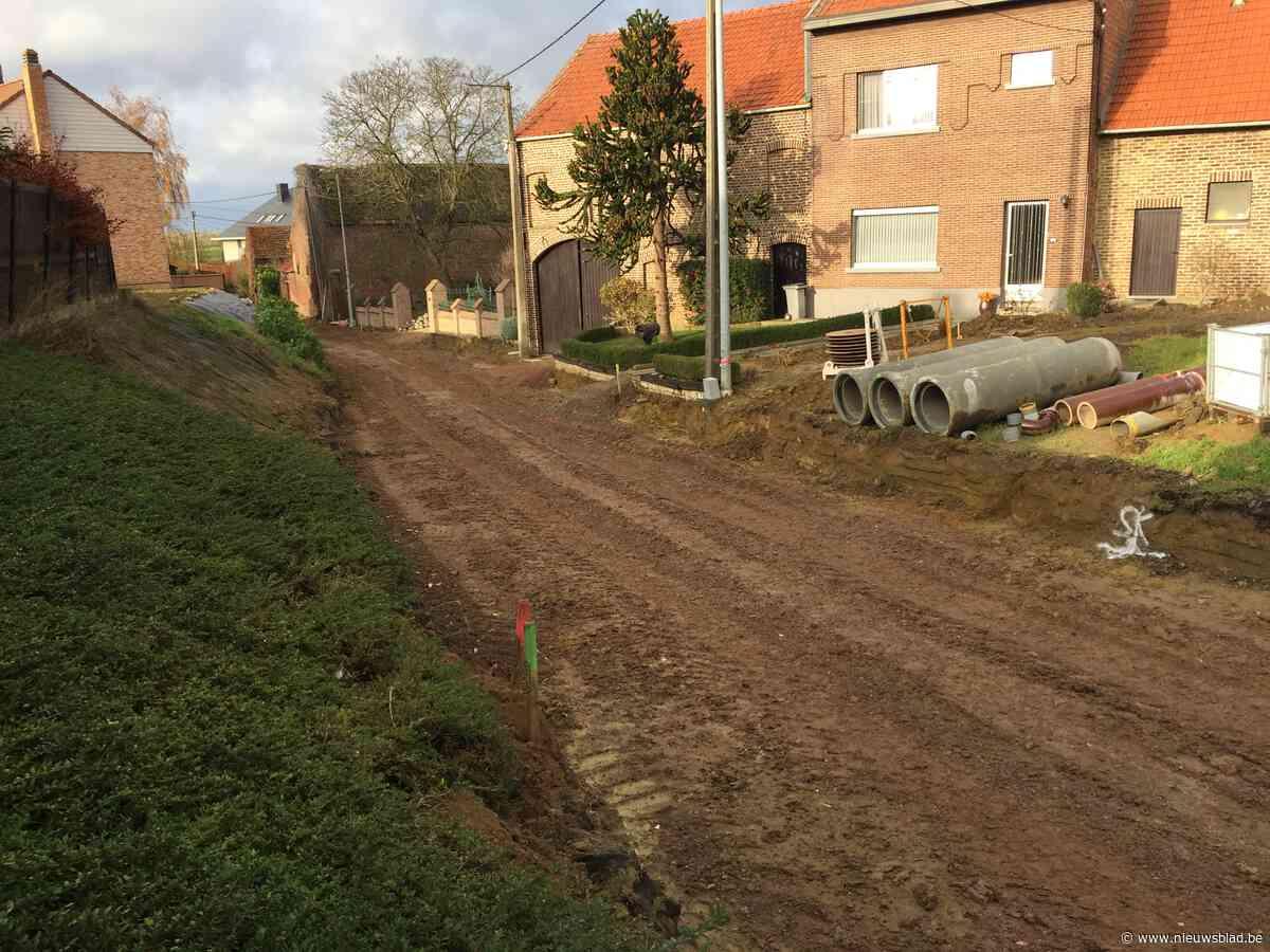 Eerste riolering zit in de grond in Hauthem
