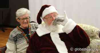 Bad Santa: Okanagan mall Santa fired for posting inappropriate pictures online