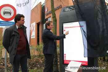 Deze gemeente zet gigantische tablets op straat (en geeft gratis wifi)