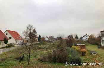 Kreis Forchheim: Gelände hinter der Schulturnhalle sieht aus wie ein Schuttplatz