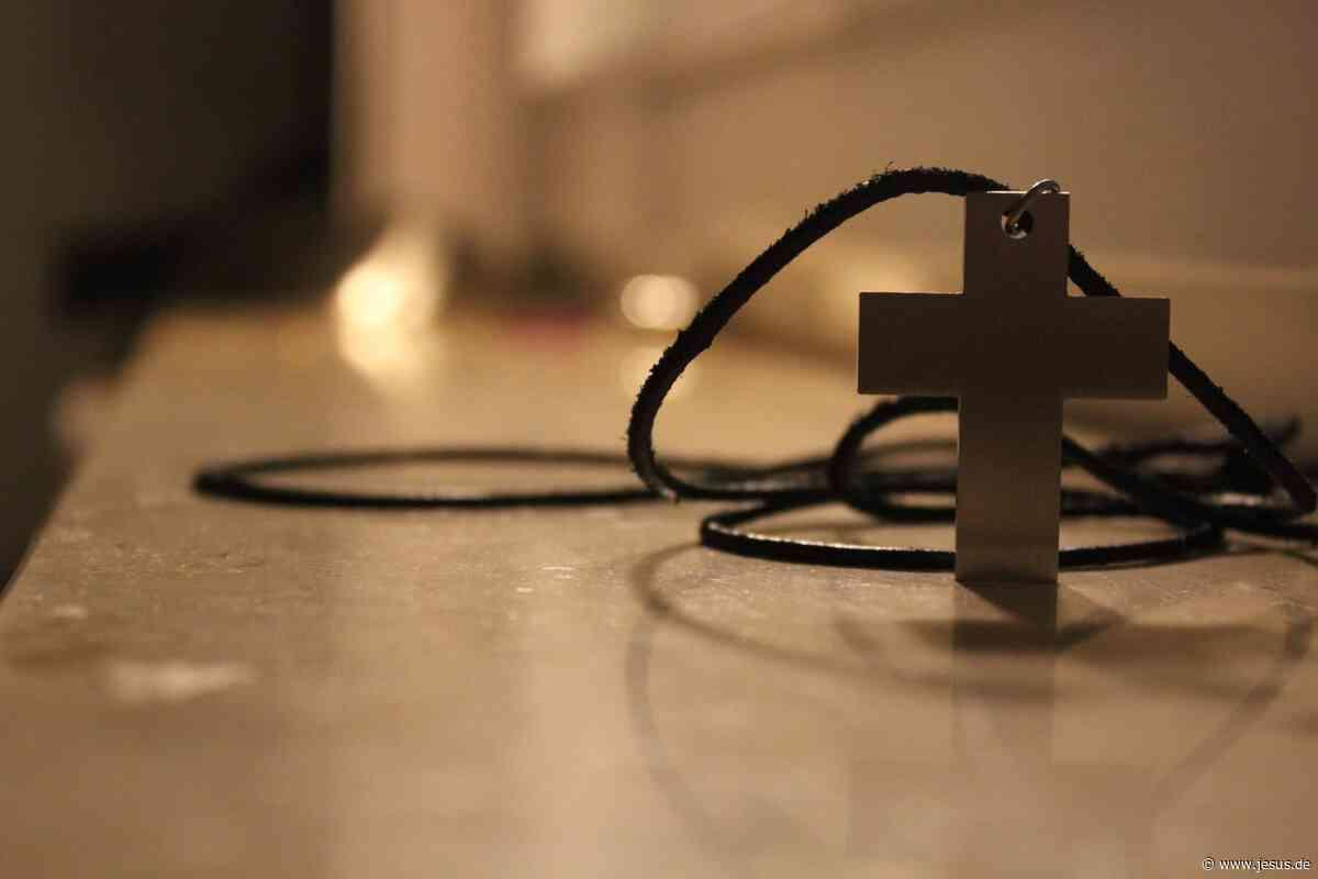 Genfer Gericht: Parlamentarier dürfen Kreuz tragen