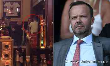 Cheeky Manchester United fan gives unpopular chief Ed Woodward a 'wet willy'