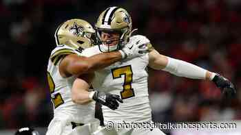 Taysom Hill deflects punt, scores two touchdowns as Saints lead 17-9 at halftime