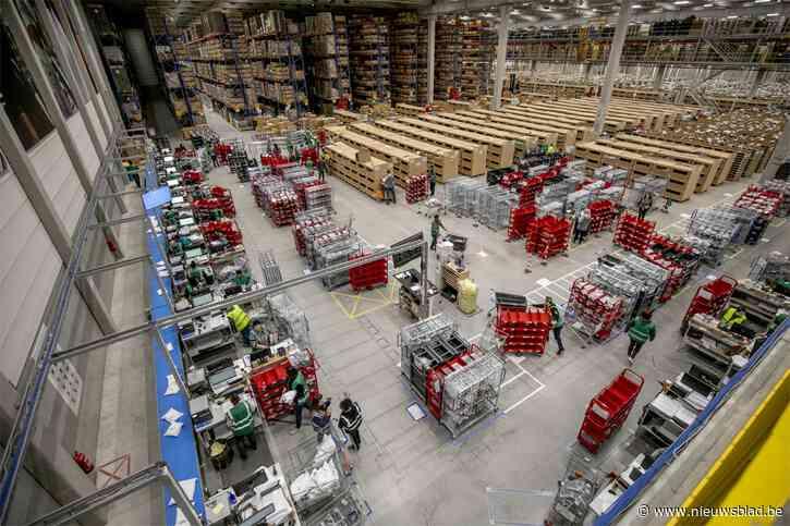In dit bedrijf wordt de nachtploeg voor die ene dag uitgebreid van 20 naar 350 werknemers en die mogen zelf de plaatjes kiezen