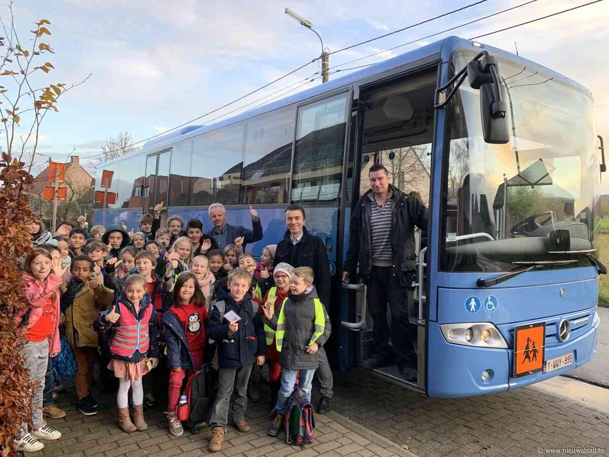 Nieuwe schoolbus in gebruik genomen