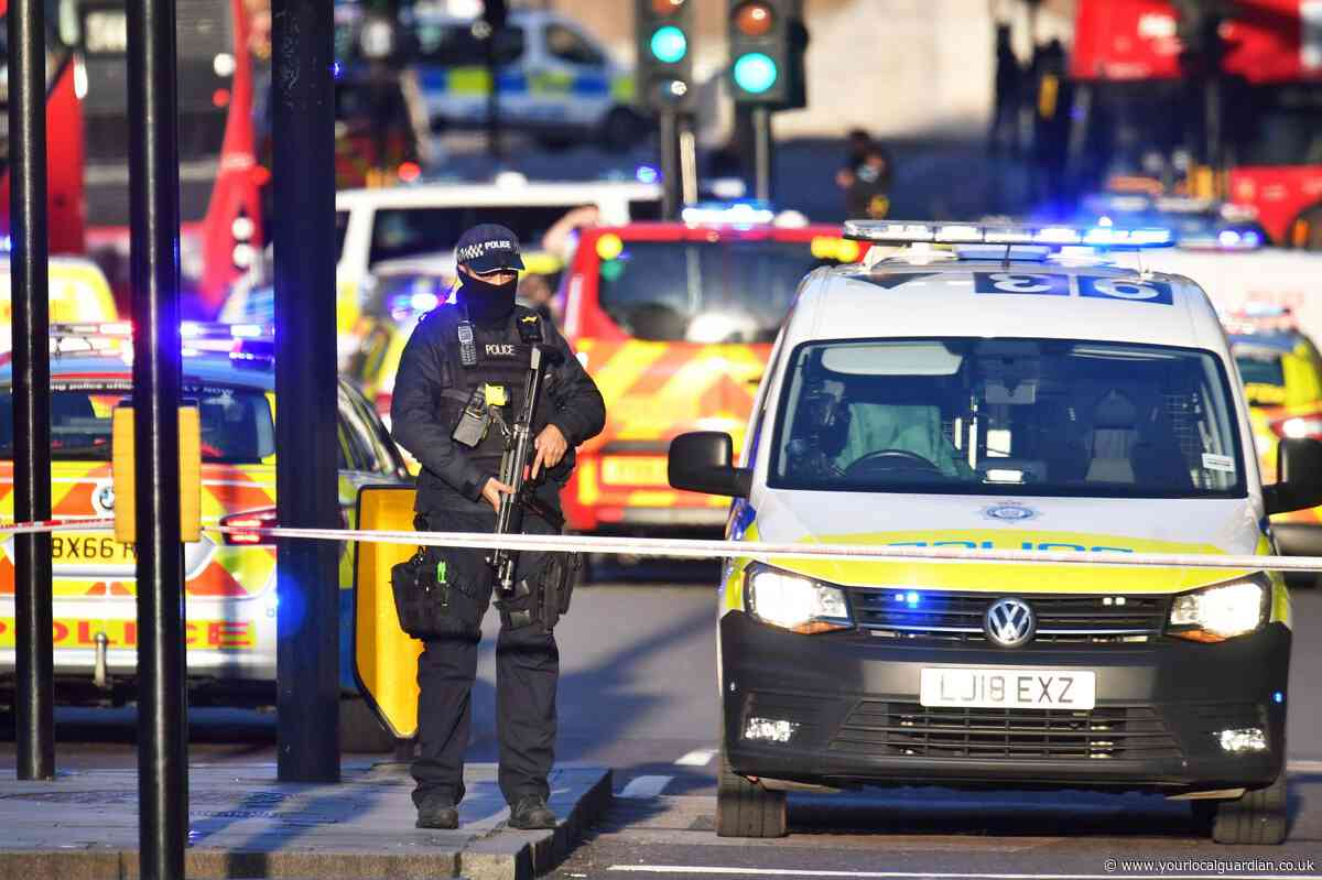Major police response to 'stabbing' at London Bridge amid reported gunshots