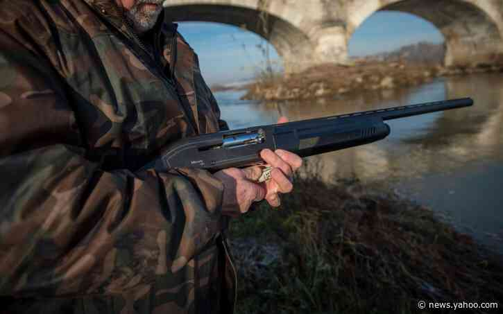 French hunters should take breathalyser tests, campaigners say after string of deadly accidents