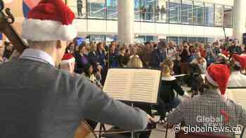 Montreal Symphony Orchestra spreads holiday cheer to sick kids
