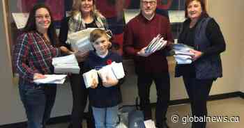 Calgary students pen more than 700 Christmas cards for soldiers overseas