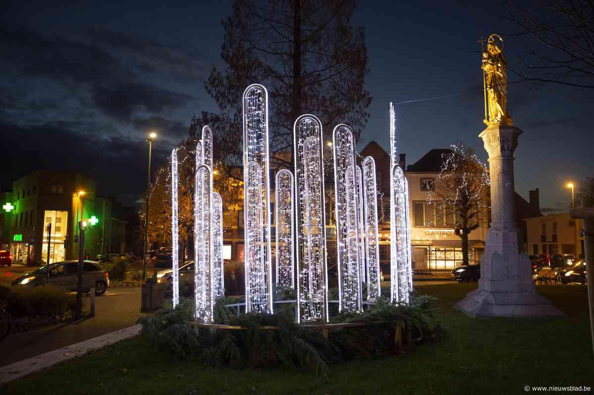 Bedrijf dat stad van kerstverlichting voorziet, opent nu filiaal in Roeselare