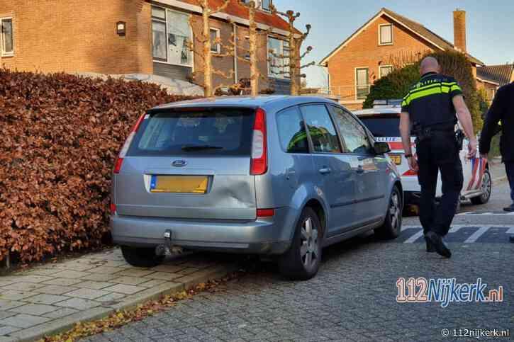 Fietser klapt achter op auto in Hoevelaken