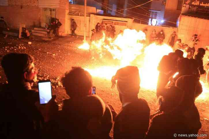 Iraqis keep up anti-regime demos despite PM's vow to quit