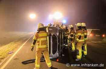 Unfall auf B289 bei Weidnitz: Auto überrollt betrunkenen Fußgänger - 20-Jähriger schwer verletzt