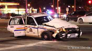 Mountie 1 of 5 injured in 4-car pileup in Coquitlam, B.C.