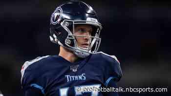 Colts have five sacks at halftime, lead Titans 10-7
