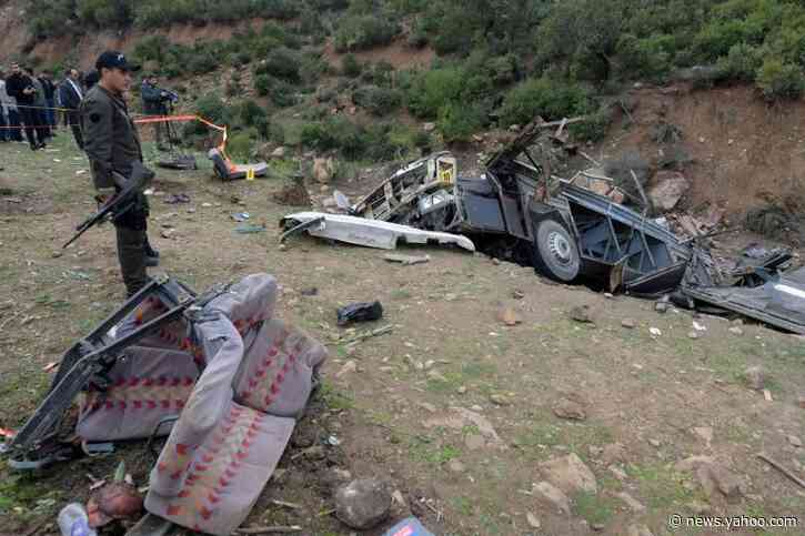 Tunisian bus plunges off cliff, killing at least 24
