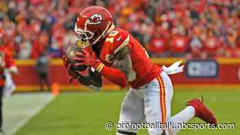 Chiefs rolling past Raiders, up 21-0 at halftime