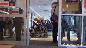 Winter clinics open early this year as Quebec hopes to ease pressure on crowded ERs
