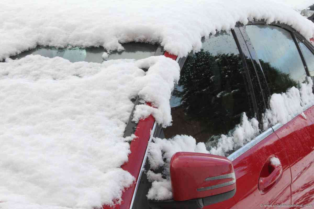How to properly de-ice your car this winter