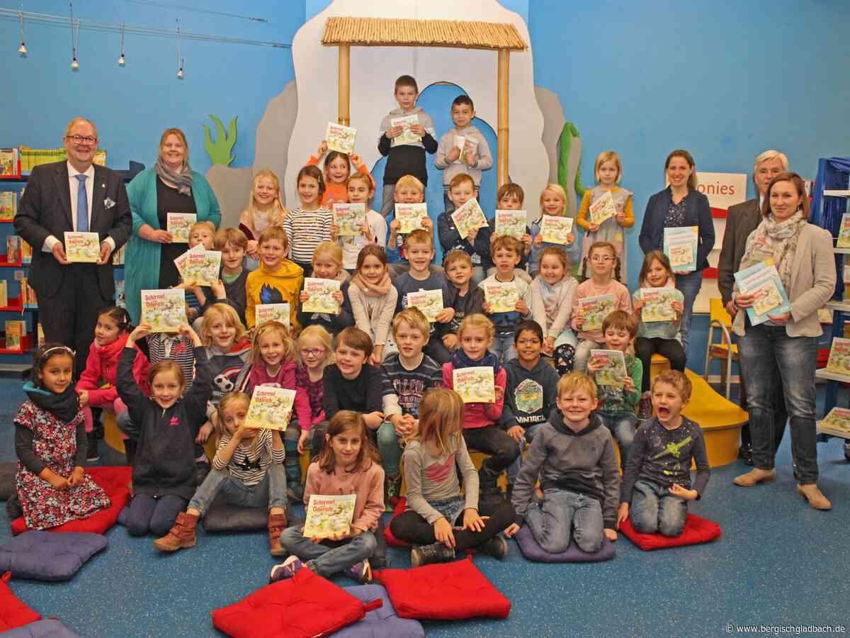 Rotary-Club fördert in Kooperation mit der Stadtbücherei das Leseverständnis an Bergisch Gladbacher Grundschulen mit 160 Buchgeschenken