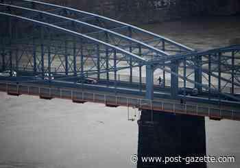 Smithfield Street Bridge reopened; inspectors find no problems after barge strike