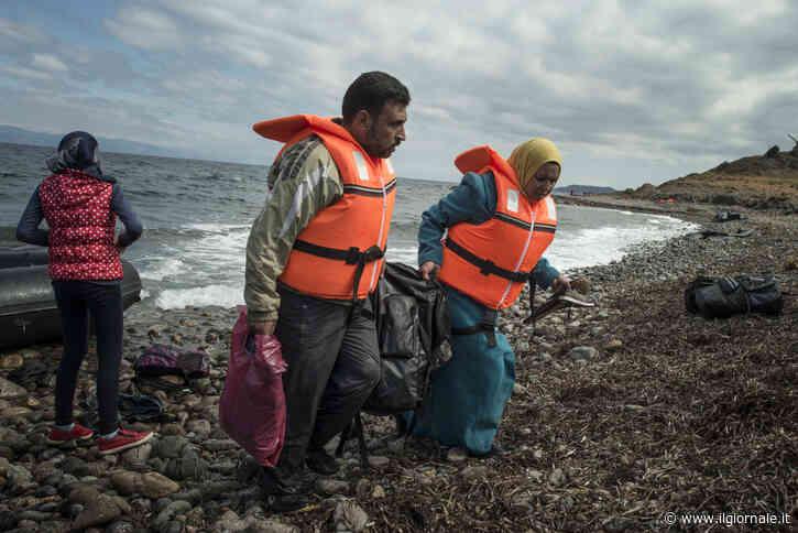 Migranti, Papa Francesco fa accogliere 43 profughi in Italia