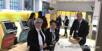 La Poste 2.0: ce bureau de Nice a fermé son guichet et rouvert ses portes en version digitalisée