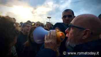Civitavecchia protesta: blocchi stradali contro i rifiuti in arrivo da Roma