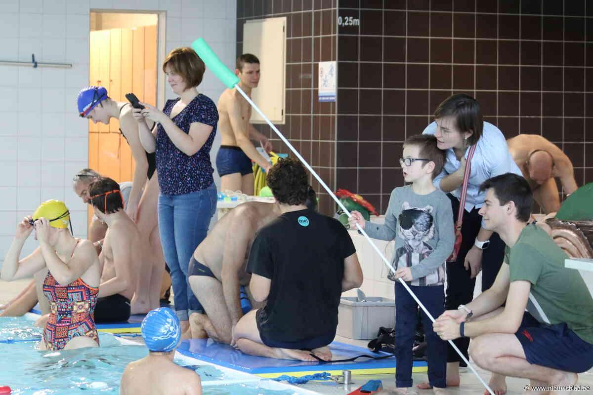 Meise steunt Warmste Week met benefiet voor Boas, een zwemclub voor mensen met een beperking