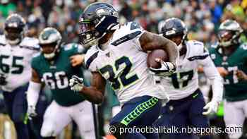Seahawks tie it up on Chris Carson TD run, Xavier Rhodes questionable for Vikings