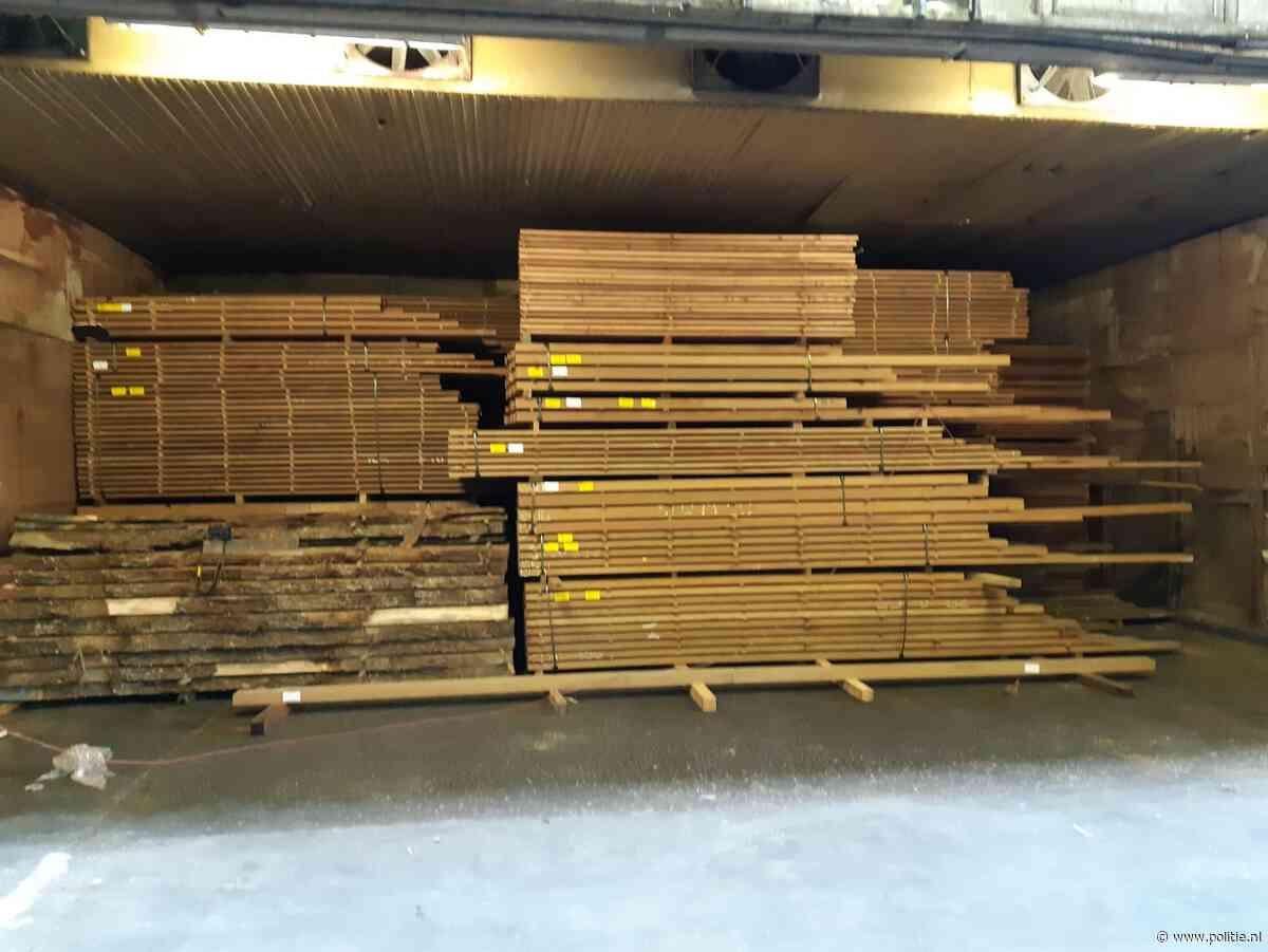 """Midden-Nederland - Onderzoek """"fout hout"""" leidt tot zes invallen"""