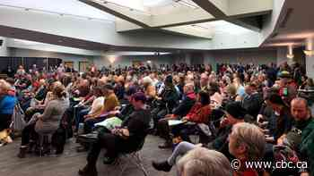 Hundreds voice concerns over Alberta public sector cuts during town hall