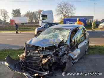 Bestuurder wordt onwel en rijdt vrachtwagen aan in Roeselare