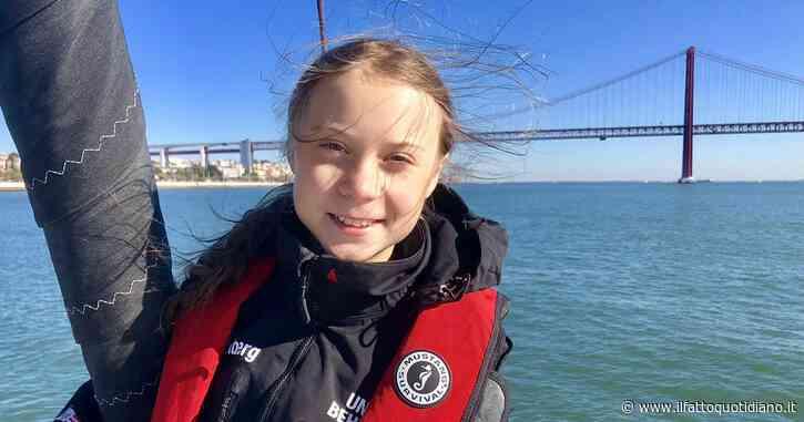 """Greta Thunberg è arrivata a Lisbona accolta da 300 giovani: """"Stanno sottovalutando la forza dei ragazzi arrabbiati"""""""