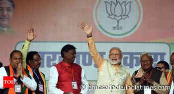 I learnt many things holding hands of Kadia Munda: PM Modi