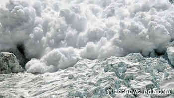 1 jawan martyred, two missing after avalanche hits Army post in Jammu and Kashmir`s Kupwara