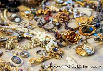 Traffic stop turns up stolen jewelry