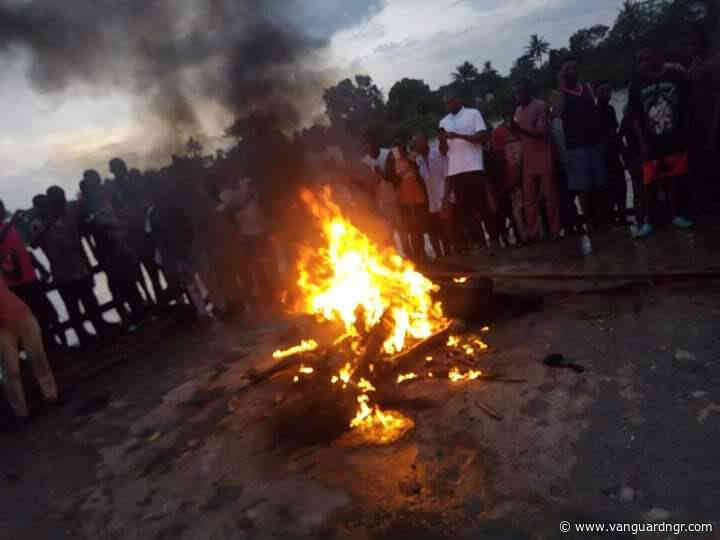 kidnappers set ablaze by angry mob in Bayelsa